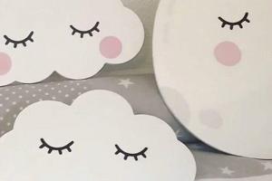 luna y nubes sleepy eyes, decoración nórdica, dormitorio infantil